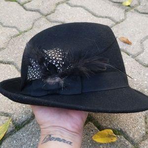 Forever 21 Black Fedora Hat! Sharp!!! NWOT!